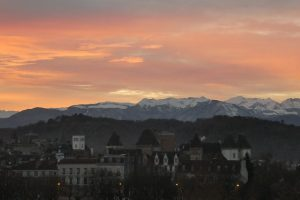 Admirez les Pyrénées depuis Pau
